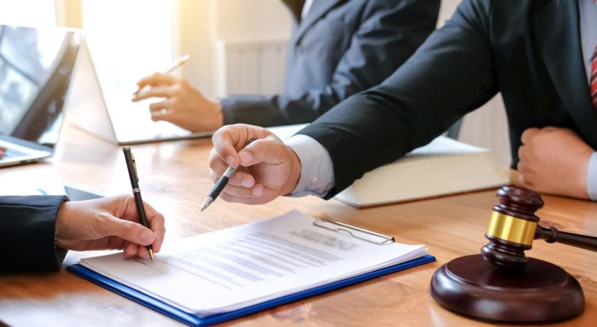 Cum trebuie sa decurga prima intalnire cu avocatul tau